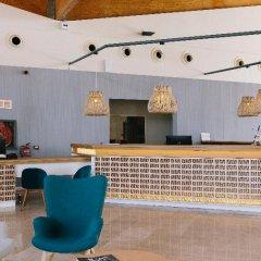 Отель Ambar Beach Испания, Эскинсо - отзывы, цены и фото номеров - забронировать отель Ambar Beach онлайн интерьер отеля фото 3