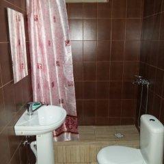 Гостиница Studio On Chkalova 32 Apartments в Сочи отзывы, цены и фото номеров - забронировать гостиницу Studio On Chkalova 32 Apartments онлайн ванная