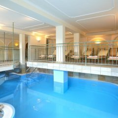 Отель Geigers Lifehotel бассейн
