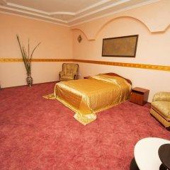 Гостиница Atrium Николаев комната для гостей фото 5