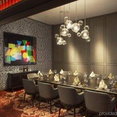 Отель Grand Copthorne Waterfront гостиничный бар
