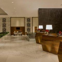 Отель Sheraton Grand Hotel, Dubai ОАЭ, Дубай - 1 отзыв об отеле, цены и фото номеров - забронировать отель Sheraton Grand Hotel, Dubai онлайн интерьер отеля