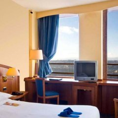 Отель Radisson Blu Hotel, Lyon Франция, Лион - 2 отзыва об отеле, цены и фото номеров - забронировать отель Radisson Blu Hotel, Lyon онлайн удобства в номере фото 2