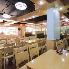 Отель Red Planet Manila Mabini Филиппины, Манила - 1 отзыв об отеле, цены и фото номеров - забронировать отель Red Planet Manila Mabini онлайн питание фото 3