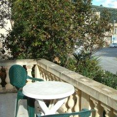 Отель San Antonio Guesthouse Мальта, Мунксар - отзывы, цены и фото номеров - забронировать отель San Antonio Guesthouse онлайн балкон
