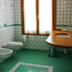 Отель La Torre Италия, Региональный парк Colli Euganei - отзывы, цены и фото номеров - забронировать отель La Torre онлайн ванная
