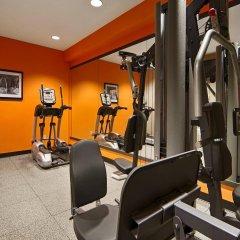 Отель Best Western Plus Cascade Inn & Suites фитнесс-зал фото 2