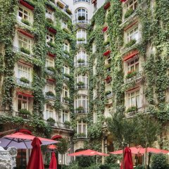 Hotel Plaza Athenee Париж спортивное сооружение