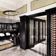 Hotel Bristol, A Luxury Collection Hotel, Warsaw сейф в номере