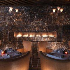 Отель Fairmont Bab Al Bahr гостиничный бар