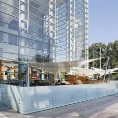 Hilton Warsaw Hotel & Convention Centre городской автобус