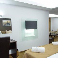Отель Breeze Boutique Hotel Греция, Афины - 1 отзыв об отеле, цены и фото номеров - забронировать отель Breeze Boutique Hotel онлайн удобства в номере фото 2