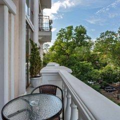 Гостиница Бутик Отель Калифорния Украина, Одесса - 8 отзывов об отеле, цены и фото номеров - забронировать гостиницу Бутик Отель Калифорния онлайн балкон