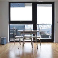 Отель 1 Bedroom Flat With a Balcony View of the Shard комната для гостей фото 4