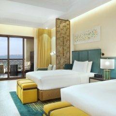 Отель DoubleTree by Hilton Resort & Spa Marjan Island 5* Стандартный номер с двуспальной кроватью фото 9