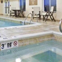 Holiday Inn Express Hotel & Suites Jasper бассейн фото 2