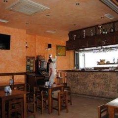Отель Hostal Malia Испания, Кониль-де-ла-Фронтера - отзывы, цены и фото номеров - забронировать отель Hostal Malia онлайн гостиничный бар