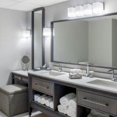 Отель Chateau Moncton Trademark Collection by Wyndham Канада, Монктон - отзывы, цены и фото номеров - забронировать отель Chateau Moncton Trademark Collection by Wyndham онлайн ванная