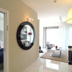 Отель West All Suite Boutique Tel Aviv комната для гостей