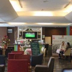 Отель REGALPARK Hotel Kuala Lumpur Малайзия, Куала-Лумпур - отзывы, цены и фото номеров - забронировать отель REGALPARK Hotel Kuala Lumpur онлайн гостиничный бар