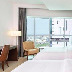 Отель Four Points by Sheraton Sharjah комната для гостей фото 3