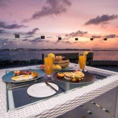 Отель Samann Grand Мальдивы, Мале - отзывы, цены и фото номеров - забронировать отель Samann Grand онлайн балкон