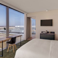Отель Hilton Munich Airport пляж