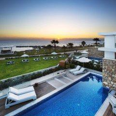 Отель Paradise Cove Luxurious Beach Villas Кипр, Пафос - отзывы, цены и фото номеров - забронировать отель Paradise Cove Luxurious Beach Villas онлайн бассейн фото 3