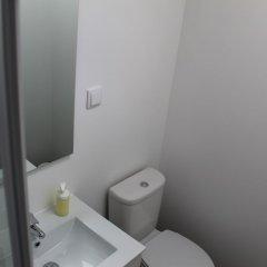 Отель New Apartment Near Amoreiras by Rental4all Португалия, Лиссабон - отзывы, цены и фото номеров - забронировать отель New Apartment Near Amoreiras by Rental4all онлайн ванная фото 2