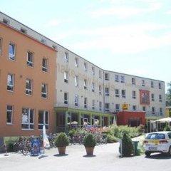 Отель Jufa Salzburg City Зальцбург парковка