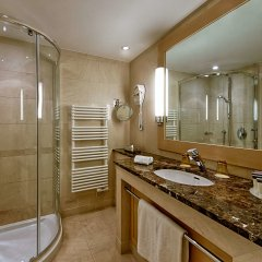 Отель Hyatt Regency Nice Palais De La Mediterranee Ницца ванная
