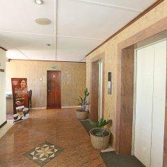 Отель Yoho Colombo City фитнесс-зал