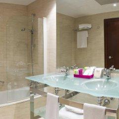Отель Zenit Coruña ванная