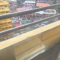 Отель Green Suites at Bel Air Soho Филиппины, Макати - отзывы, цены и фото номеров - забронировать отель Green Suites at Bel Air Soho онлайн балкон