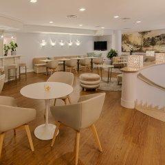 Отель NH Genova Centro гостиничный бар