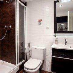 Отель Gracia Apartments Испания, Барселона - отзывы, цены и фото номеров - забронировать отель Gracia Apartments онлайн ванная фото 2