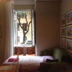 Отель Da Alessia Per Dormire Al Coppedé комната для гостей фото 2