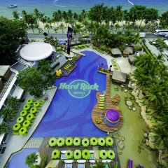 Hard Rock Hotel Pattaya Паттайя бассейн