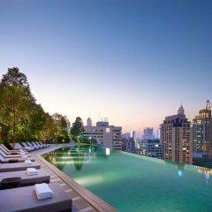 Отель Solitaire Bangkok Sukhumvit 11 бассейн