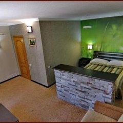 Гостиница Gorgany сейф в номере