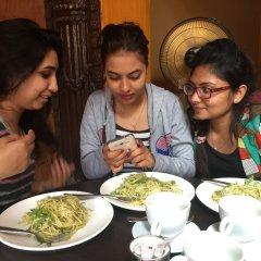 Отель Ambassador Garden Home Непал, Катманду - отзывы, цены и фото номеров - забронировать отель Ambassador Garden Home онлайн питание фото 2