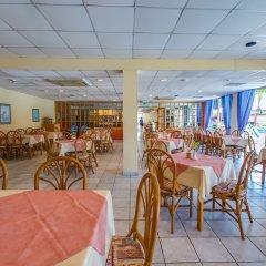 Отель Green Bungalows Hotel Apartments Кипр, Айя-Напа - 6 отзывов об отеле, цены и фото номеров - забронировать отель Green Bungalows Hotel Apartments онлайн питание фото 2