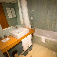 Отель Comfort Inn Ponta Delgada Португалия, Понта-Делгада - отзывы, цены и фото номеров - забронировать отель Comfort Inn Ponta Delgada онлайн ванная фото 2