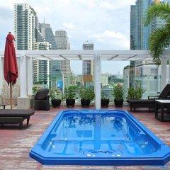 Отель FuramaXclusive Asoke, Bangkok Таиланд, Бангкок - отзывы, цены и фото номеров - забронировать отель FuramaXclusive Asoke, Bangkok онлайн бассейн