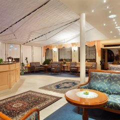 Отель Zum Mohren Италия, Горнолыжный курорт Ортлер - отзывы, цены и фото номеров - забронировать отель Zum Mohren онлайн интерьер отеля