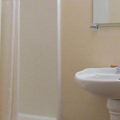 Отель Budget Host Inn Niagara Falls США, Ниагара-Фолс - отзывы, цены и фото номеров - забронировать отель Budget Host Inn Niagara Falls онлайн ванная фото 2