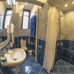 Отель L'Opera Guest House София ванная фото 2