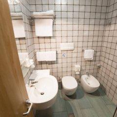 Отель Amico Италия, Ситта-Сант-Анджело - отзывы, цены и фото номеров - забронировать отель Amico онлайн ванная