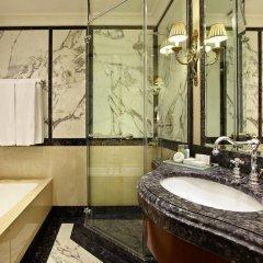 Отель Grande Bretagne, a Luxury Collection Hotel, Athens Греция, Афины - отзывы, цены и фото номеров - забронировать отель Grande Bretagne, a Luxury Collection Hotel, Athens онлайн ванная фото 2