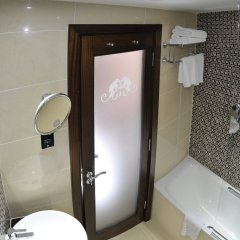 Отель Doubletree by Hilton London Marble Arch ванная фото 2
